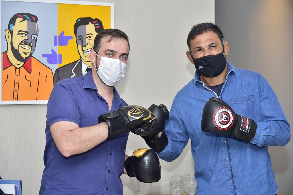 VISITA DO LUTADO MMA RODRIGO MINOTAURO FOTO RODRIGO ESTRELA 9 SITE